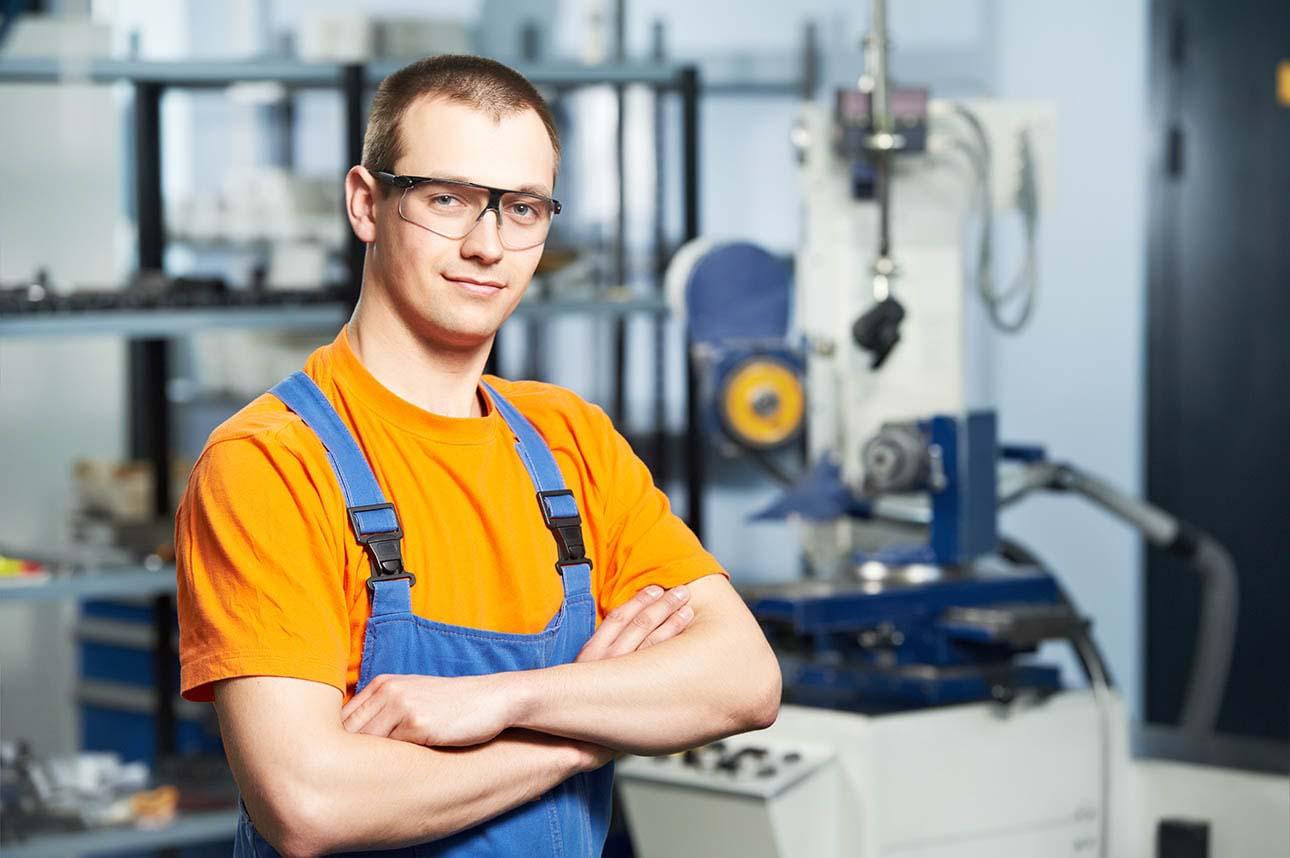 Lean manufacturing, lean production, szczupła produkcja – koncepcja zarządzania procesem produkcji, która rozwinęła się w oparciu o zasady i narzędzia Systemu Produkcyjnego Toyoty (TPS).